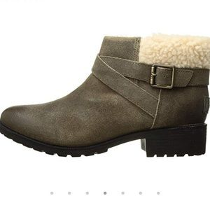 NIB UGG Benson Waterproof Booties 6 $142